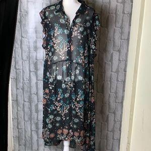 Boutique sleeveless button front dress